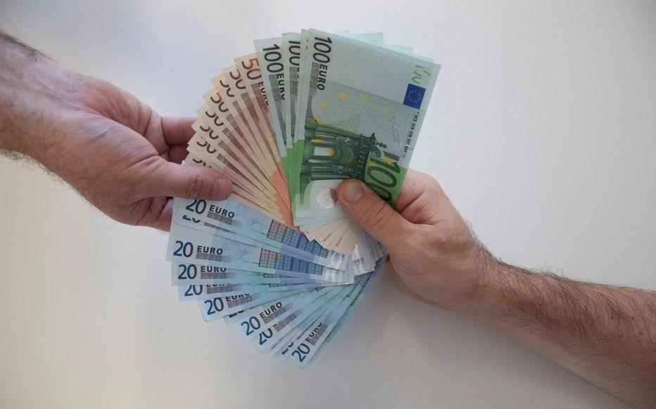 preter son argent n'est pas recommandé quand vous avez du mal à tenir un budget